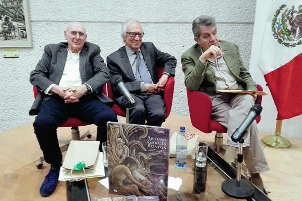 Se presentó el libro En el espacio mágico del muralismo mexicano, con la presencia de Arnoldo Coen, Arturo García y Antonio Prado. (Foto Prensa Libre: Edwin Castro)