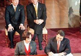 Los Acuerdos de Paz fueron firmados el 29 de diciembre de 1996. (Foto Prensa Libre: Hemeroteca PL)