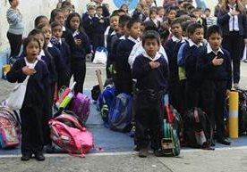 Así transcurre el primer día de clases en Guatemala
