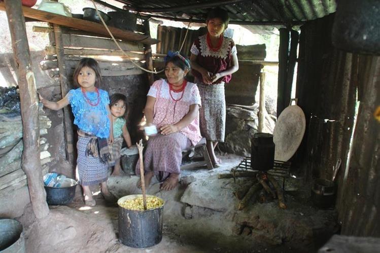 La situación de pobreza que afronta las familias en Jacaltenango, Huehuetenango es preocupante. (Foto Prensa Libre: Mike Castillo)