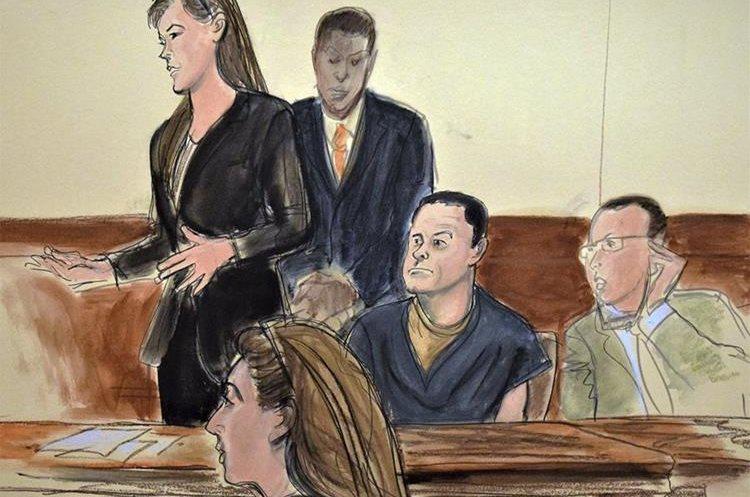 """Joaquín """"el Chapo"""" Guzmán, (segundo derecha) durante la audiencia en un tribunal.(AP)"""