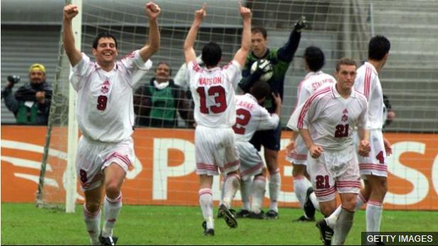 Canadá ganó la Copa de Oro en 2000 al vencer en la final a Colombia, que desperdició un penalti.