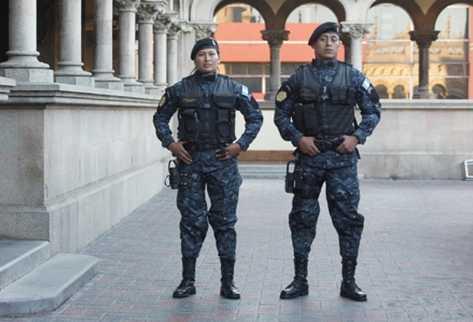 Policía estrenará indumentaria que tiene sellos de seguridad que la hacen exclusiva.