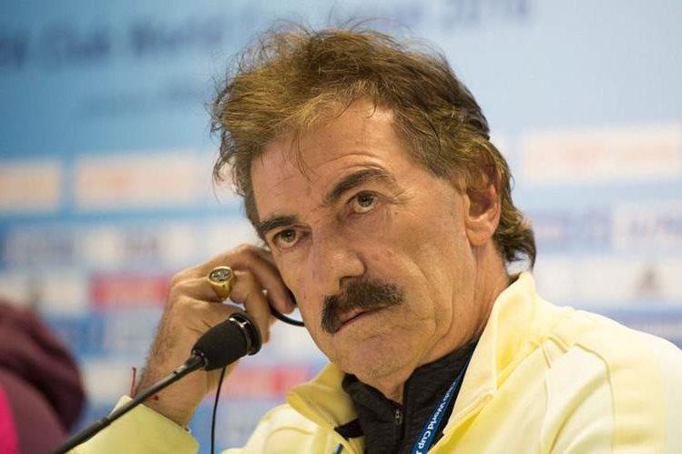 Ricardo Lavolpe, técnico del América de México, durante la conferencia de prensa antes del partido contra el Real Madrid. (Foto Prensa Libre: Club América)