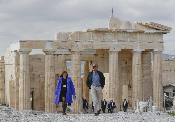 Barack Obama visita la Acrópolis de Atenas.(AP)