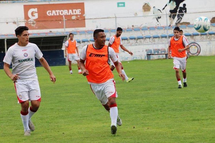 Xelajú se alista para el siguiente campeonato, donde jugará sus partidos de local a las 18 horas. (Foto Prensa Libre: Carlos Ventura)
