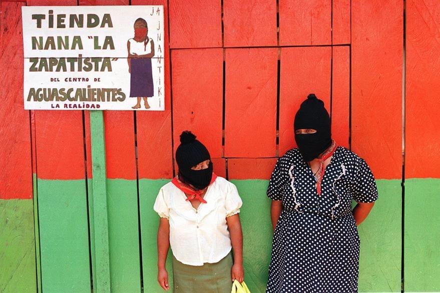 Mujeres zaptistas en una región de Chiapas. (AFP)
