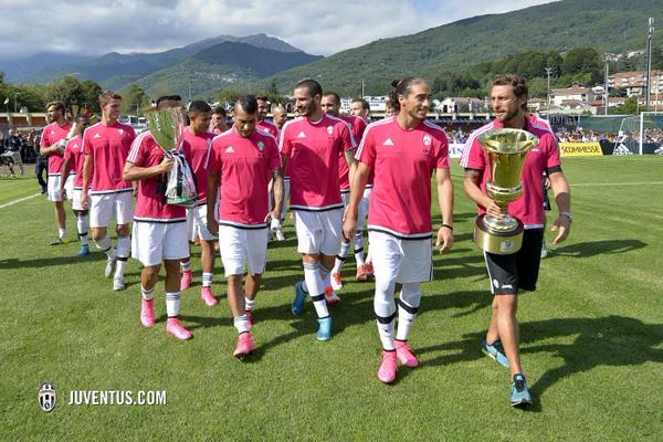 Los jugadores de la juventus se encuentran motivados para una nueva temporada. (Foto Prensa Libre: Twitter Juventus)