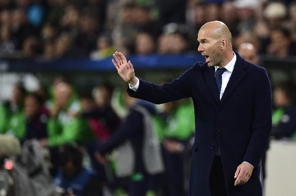 El técnico del Madrid se mostró inquieto durante el partido, pero al final pidió tranquilidad. (Foto Prensa Libre: AFP).