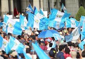 Cientos de personas rechazan medida presidencial contra jefe de la Cicig.