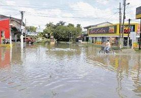 La lluvia ha causado inundaciones y daños en viviendas. (Foto Prensa Libre: Hemeroteca PL)