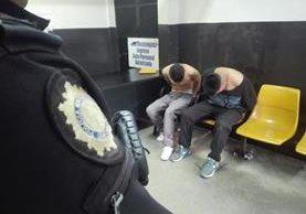 Supuestos responsables de descuartizar a una persona y meter el cadáver en costales. (Foto Prensa Libre: PNC)