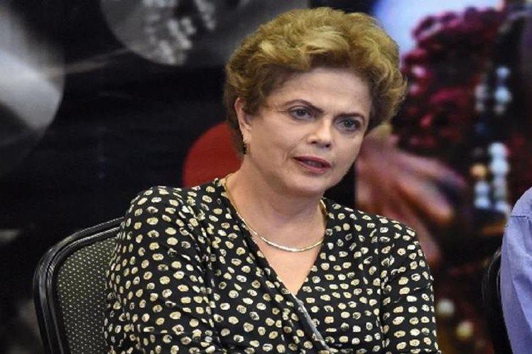 Dilma Rousseff ,presidenta de Brasil.