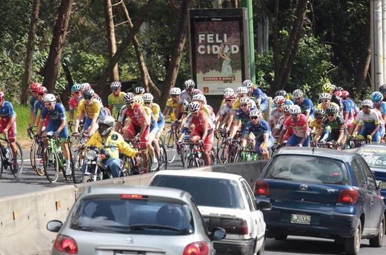 Casi cien ciclistas hacen parte de la gran competencia del pedal.