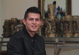 José Roberto Berganza, de origen salvadoreño, está agradecido con la vida por haber sobrevivido a la tragedia del volcán Acatenango. (Foto Prensa Libre: Alvaro Interiano)