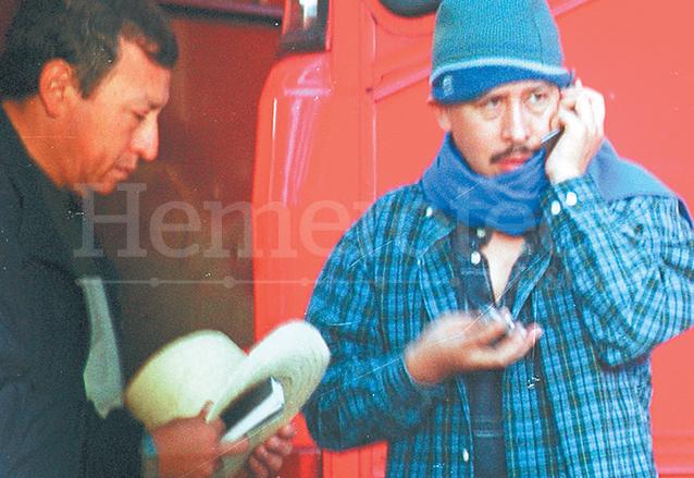 Jorge Arévalo, diputado del FRG y tercer vicepresidente del Congreso en ese tiempo, fue captado con capucha entre los grupos que provocaron disturbios el 24 de julio de 2003, hechos conocidos como el Jueves Negro. (Foto: Hemeroteca PL)