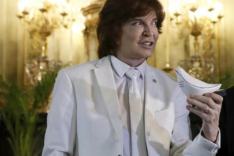 Camilo Sesto contó con la autorización del Vaticano para utilizar la frase pronunciada por el papa Francisco. (Foto Prensa Libre: EFE)