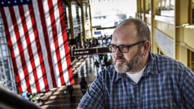 Bob Burns es el hombre detrás de la cuenta de Instagram de la TSA. (THE WASHINGTON POST/GETTY)