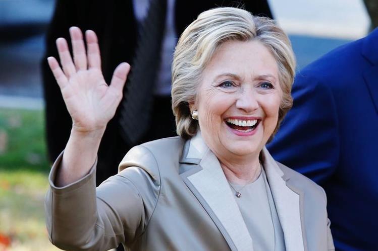 La suerte empieza a sonreír a Hillary Clinton con su victoria en la isla de Guam. (Foto Prensa Libre: AFP).