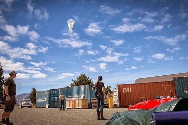 <p>Globos del Proyecto Loon de Google permitirán que personas tengan internet en zonas remotas. (Foto Prensa Libre: Archivo)<br></p>