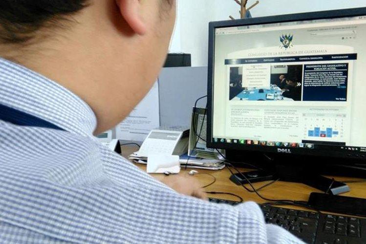 El departamento de comunicación del Congreso no tiene el dato de cuántos guatemaltecos consultaron el portal web. (Foto Prensa Libre: Hemeroteca PL)
