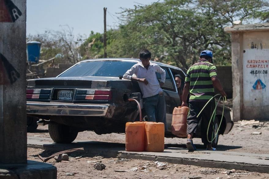 El contrabando de combustible es uno de los problemas en la frontera entre Colombia y Venezuela. (EFe)