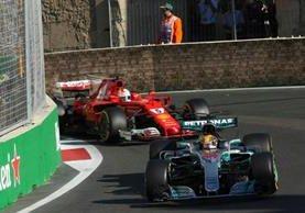 Lewis Hamilton y Sebastian Vettel protagonizaron un accidente durante el Gran Premio de Azerbaiyán. (Foto redes).