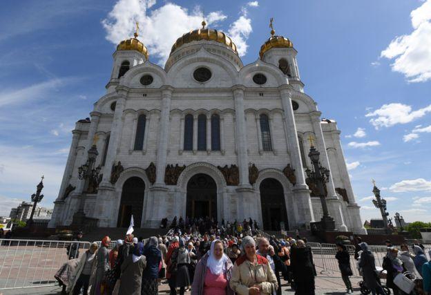 Las costillas de San Nicolás están siendo exhibidas en la Catedral de Cristo Salvador. GETTY IMAGES