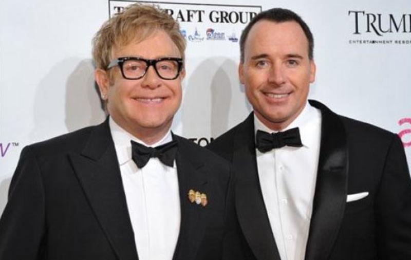 Elton John y David Furnish contrajeron nupcias en el 2014. (Foto Prensa Libre: Hemeroteca PL)