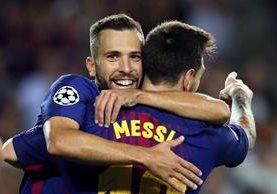 En los últimos encuentros, Jordi Alba ha hecho una gran dupla con Leo Messi. (Foto Prensa Libre: EFE)