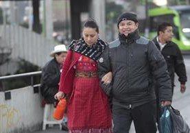 La recomendación ante las bajas temperaturas que podrían registrarse es abrigarse y evitar enfermedades. (Foto Prensa Libre: Hemeroteca PL)
