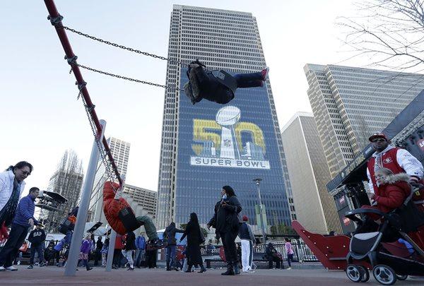 La fiesta del Super Bowl se empieza a vivir en San Francisco. (Foto Prensa Libre: AP)