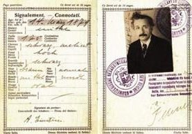 Este pasaporte perteneció a Albert Einstein y fue emitido en 1923 por el gobierno suizo. CORTESÍA DE PASSPORT-COLLECTOR.COM