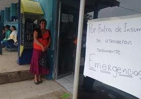 Debido a la crisis, personal médico del Hospital Regional de Cuilapa suspendió la consulta externa recientemente. (Foto Prensa Libre: Oswaldo Cardona)