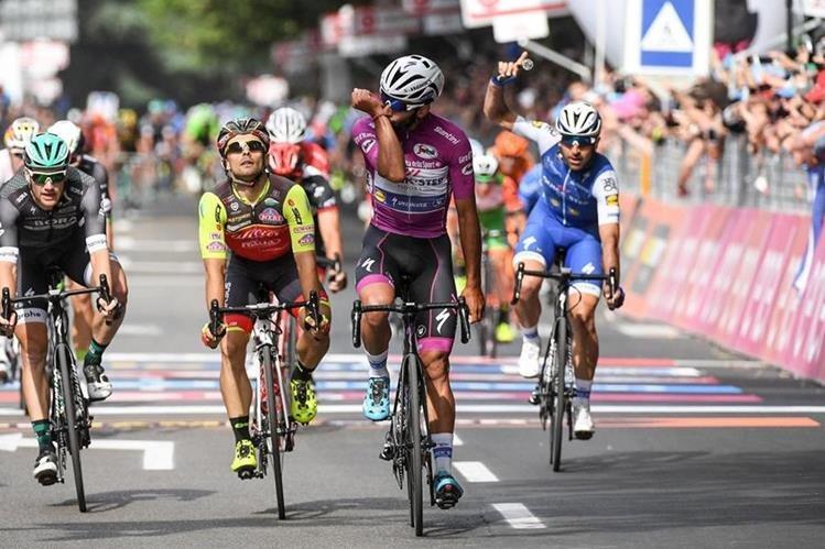 Gaviria se apuntó su cuarta etapa en el Giro de Italia