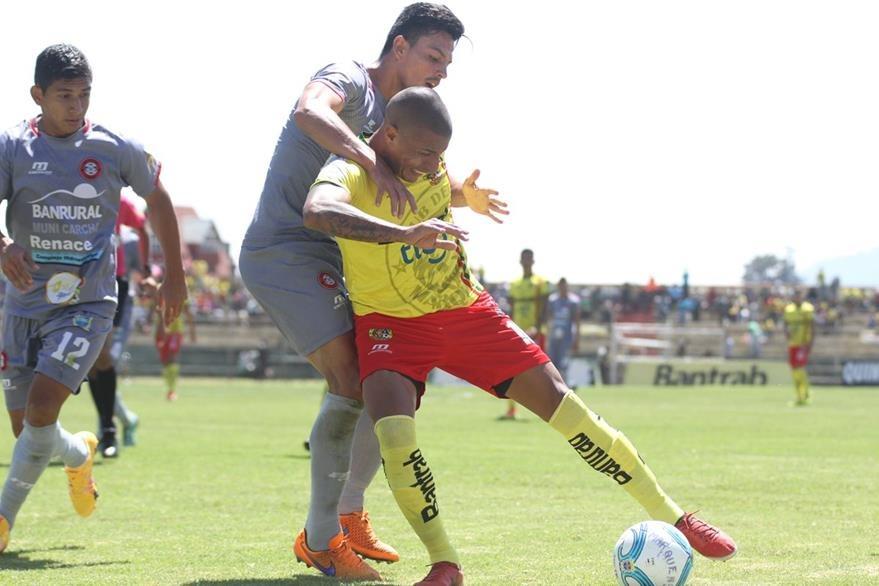 Gonzalo Da Luz inauguró el marcador. (Foto Prensa Libre: Aroldo Marroquín)