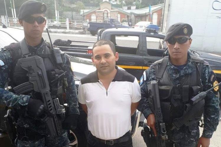 Hugo Alejandro Chacón Cerna fue capturado por la Policía en un operativo efectuado en la ruta a El Salvador. (Foto Prensa Libre: PNC)