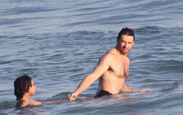 El actor australiano Hugh Jackman ayudó al rescate de varios bañistas en las aguas de Sídney. (Foto de Archivo, tomada del sitio de OK!)