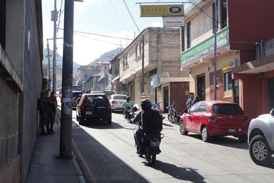 En la cabecera de San Marcos, vecinos indicaron que el temblor se percibió fuerte. (Foto Prensa Libre: Genner Guzmán)