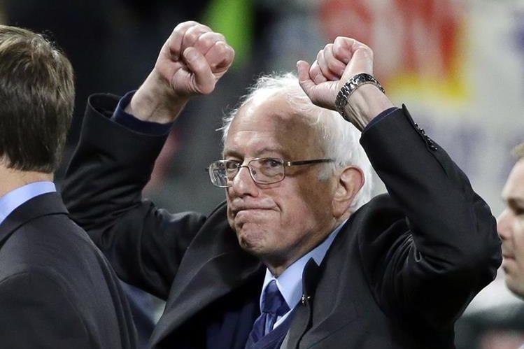Bernie Sanders va tras los pasos de Hillary Clinton. (Foto Prensa Libre: AFP)