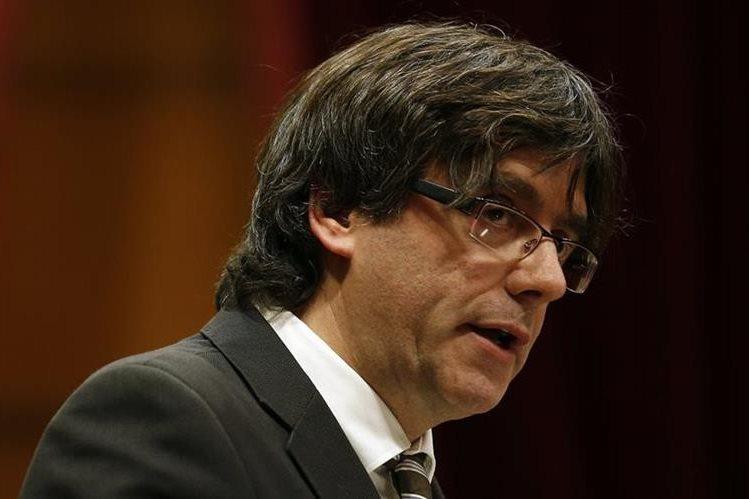 Carles Puigdemont, nuevo presidente del gobierno de Cataluña. (Foto Prensa Libre: AP).