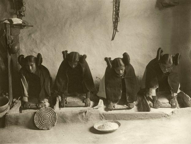 El peinado fue primero usado por las mujeres solteras hopi, de Arizona. SCIENCE PHOTO LIBRARY