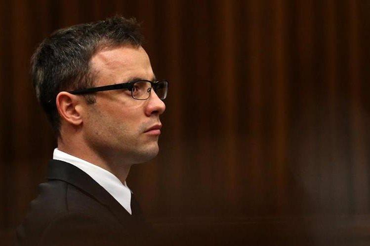 Oscar Pistorius deberá esperar la resolución del juez hasta noviembre próximo. (Foto Prensa Libre: AFP)