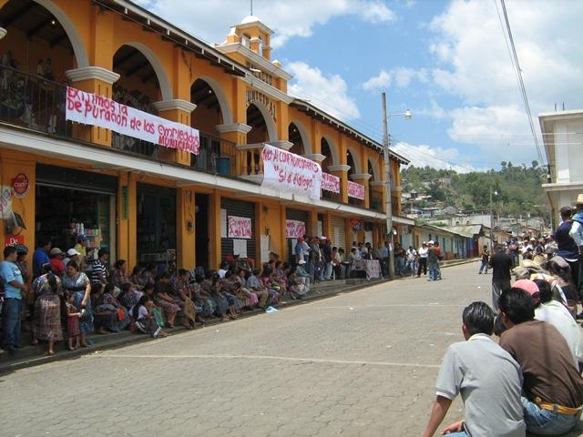 La mayoría de las comunas incumplen no tienen portales electrónicos. (Foto Prensa Libre: Hemeroteca PL)