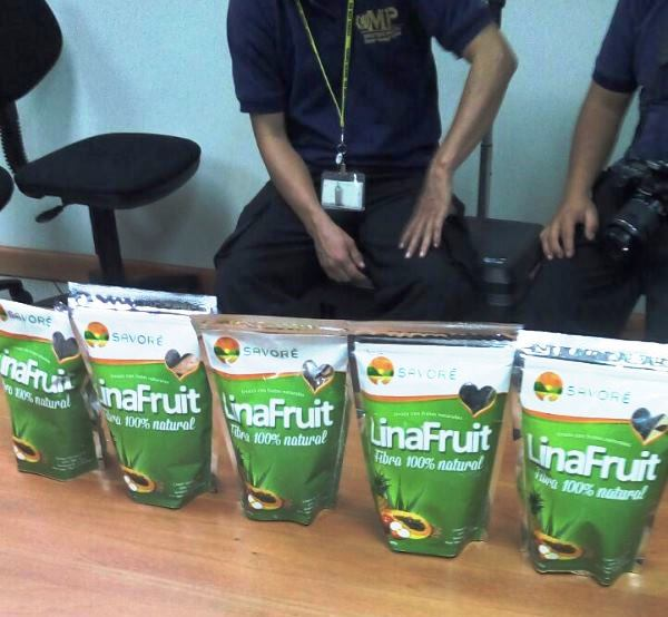 La heroína fue encontrada paquetes de producto natural. Pretendía ser enviado a otro país. (Foto Prensa Libre: Cortesía PNC)