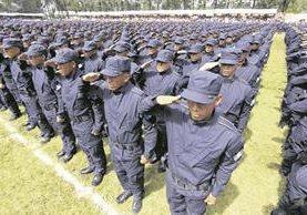 Por la distribución de policías a distintos puntos del país, el de Gobernación es el ministerio que más viáticos utiliza, así como Salud y Cancillería. (Foto Prensa Libre: HemerotecaPL)