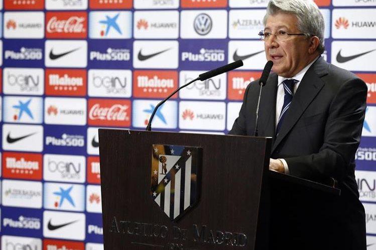 Enrique Cerezo, presidente del Atlético de Madrid, dijo que recurrirán la sanción. (Foto Prensa Libre: Atlético de Madrid)