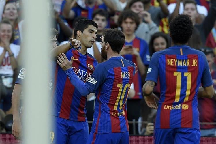 Suárez, Messi y Neymar se robaron el show en la goleada sobre el Villarreal. (Foto Prensa Libre: AFP)