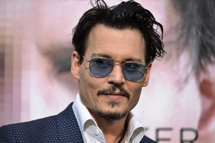 Forbes asegura que Johnny Depp fue el actor más sobrepagado de Hollywood durante el año. (Foto Prensa Libre: EFE)