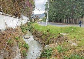 El sector sur de Antigua Guatemala continúa sin contar con sistema de alcantarillas por distintos casos de corrupción en proyectos de aguas residuales. (Foto Prensa Libre: Julio Sicán)